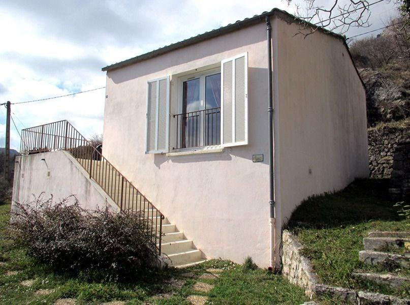 Location vacances Bouyon -  Gite - 6 personnes - Salon de jardin - Photo N° 1