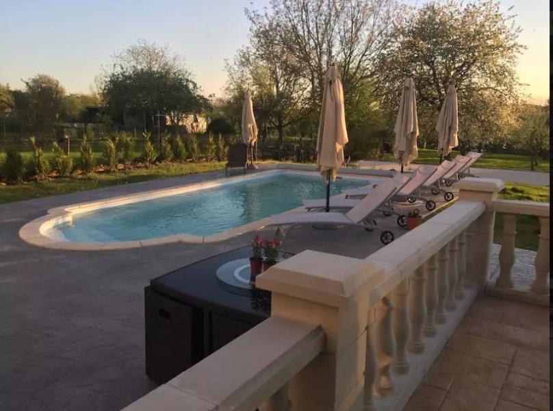 Gîte de groupe 4* avec piscine & Spa pour 32 pers