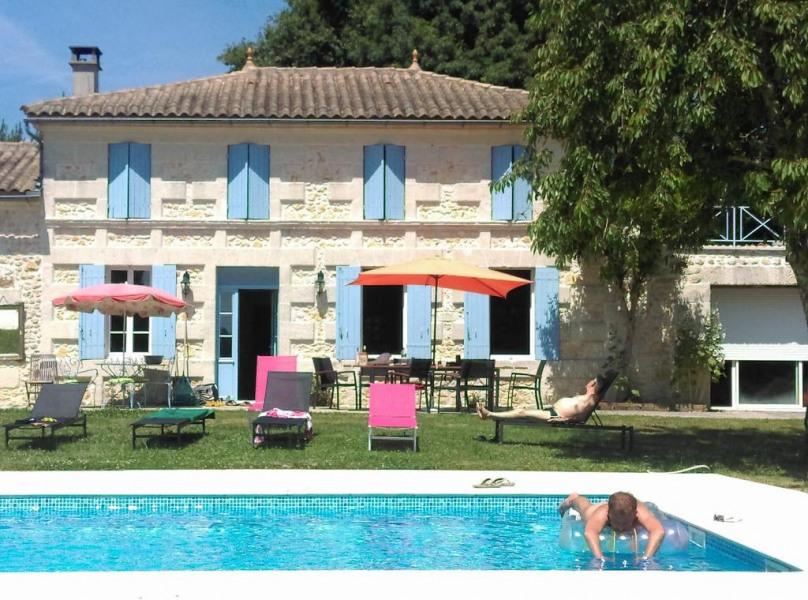 Location vacances Montlieu-la-Garde -  Maison - 8 personnes - Jardin - Photo N° 1