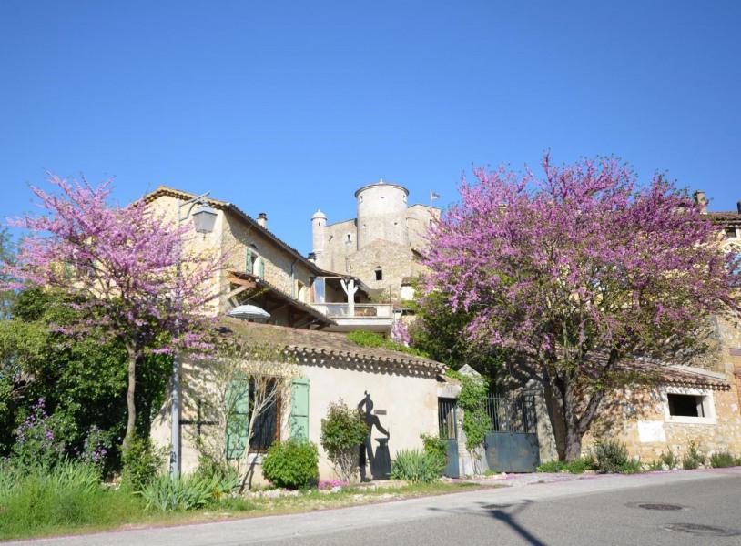 Très beau gîte au sud de l'Ardèche à proximité de Vallon Pont d'Arc et de la grotte Chauvet
