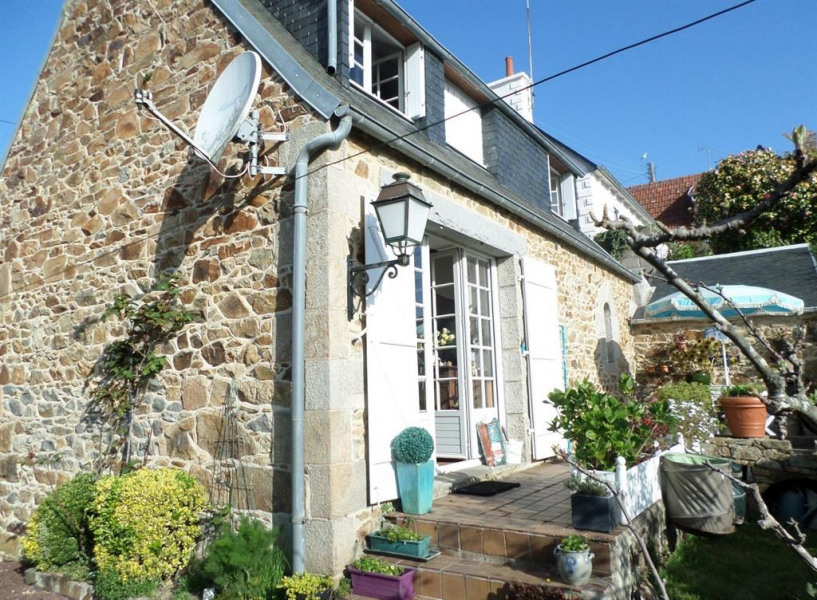 Holiday rentals Perros-Guirec - House - 4 persons - BBQ - Photo N° 1