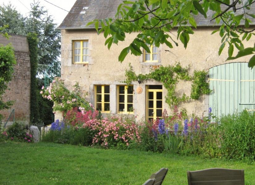 Location vacances Quarré-les-Tombes -  Maison - 8 personnes - Barbecue - Photo N° 1