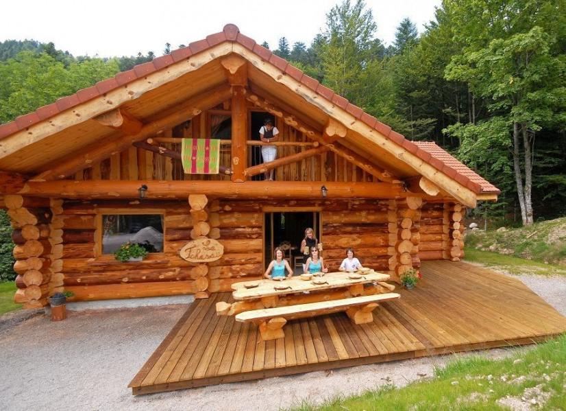 Magnifique Chalet Rondins 10 à 12 personnes, 140m², 4 chambres, Wifi, 2 Salles de Bain, Poêle à bois, terrasse plein ...