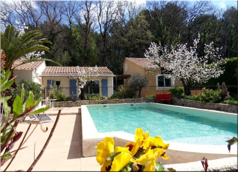 Location vacances Eyragues -  Gite - 2 personnes - Barbecue - Photo N° 1