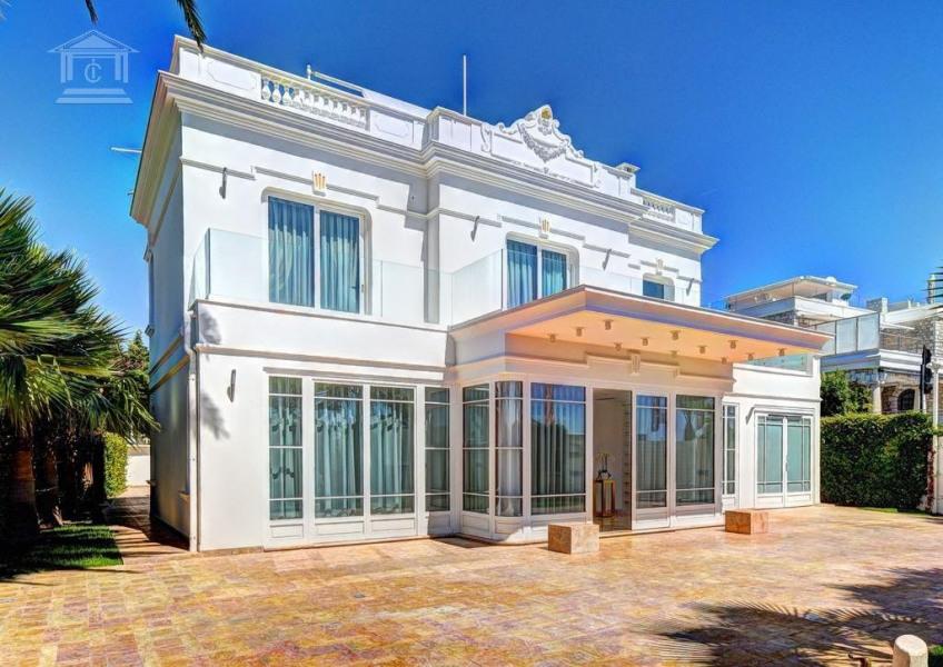 Villa à LE GOLFE JUAN