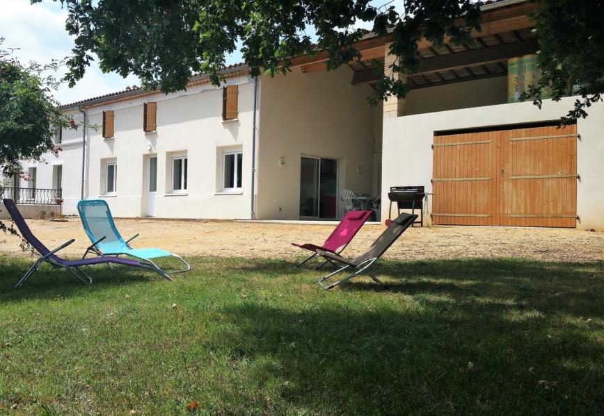 Gîte Rural ELISA, Maison charentaise classée 3 étoiles, située à Courpignac (17) - Courpignac