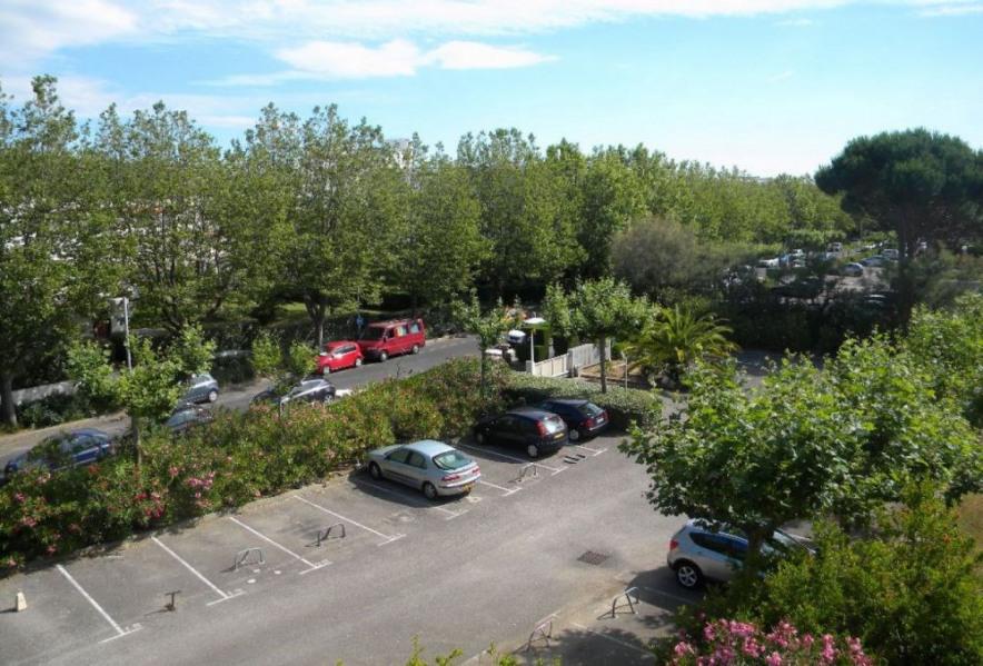 Résidence le Martinic, P2 environ 25 m² à 150 m des commerces de proximité et à 150 m de la plage.