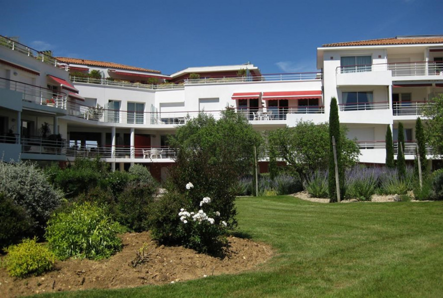 Location vacances Royan -  Appartement - 4 personnes - Salon de jardin - Photo N° 1