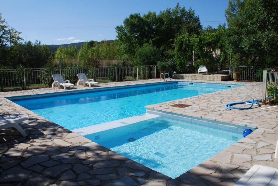 Gite 4 personnes, piscine 12*6, terrasse privative 50 m2, jardin clôturé, sécurisé. - Bagard