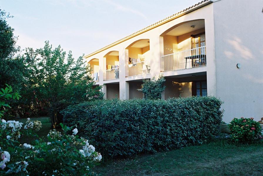 Des logements accueillants à 700 m de la plage, 800 m du centre commercial et 1.000 m de la charmante ville de Calvi