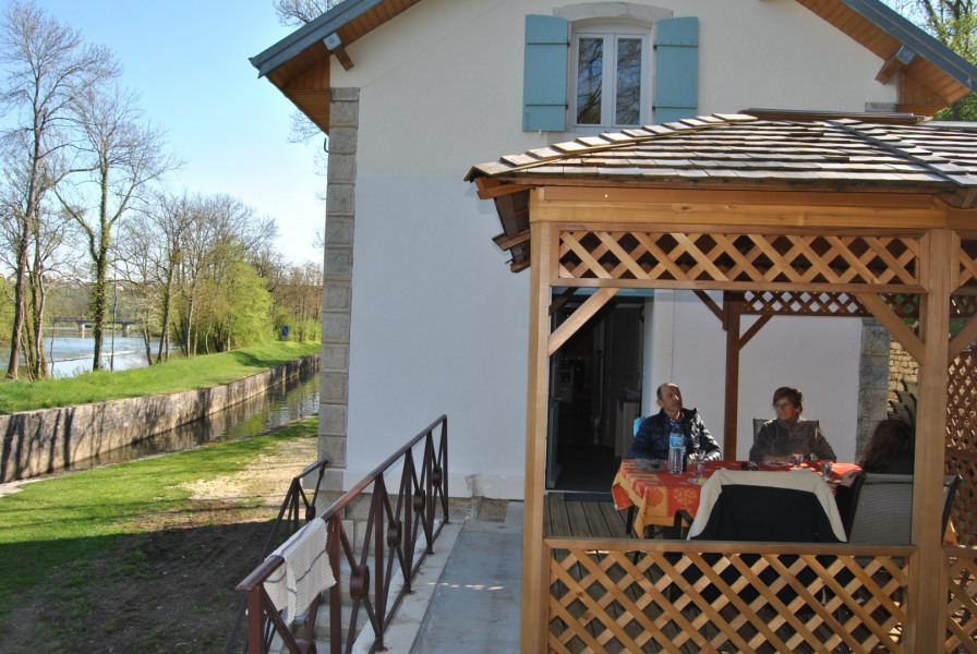 Location vacances Soing-Cubry-Charentenay -  Gite - 6 personnes - Barbecue - Photo N° 1