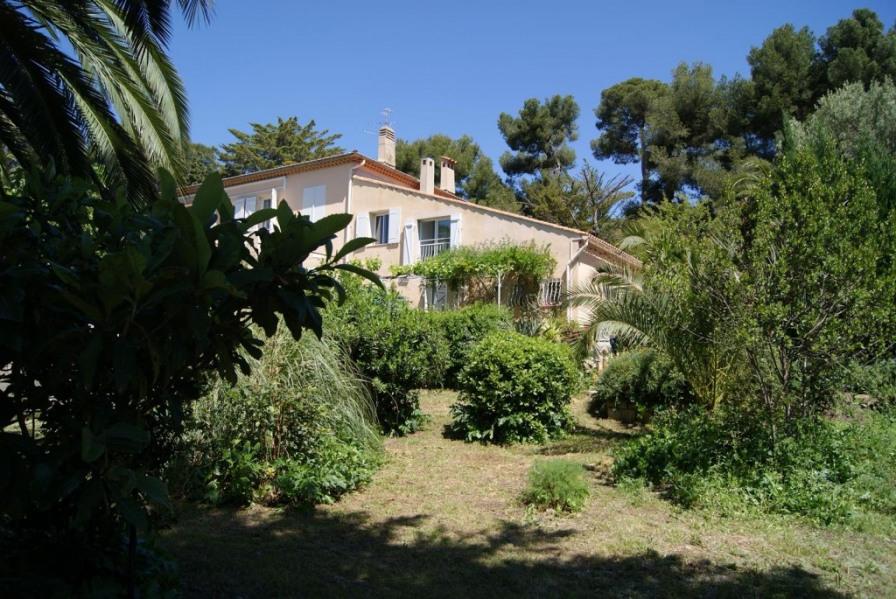 Maison à Carqueiranne avec terrain jusqu'à la mer (Var -PACA)