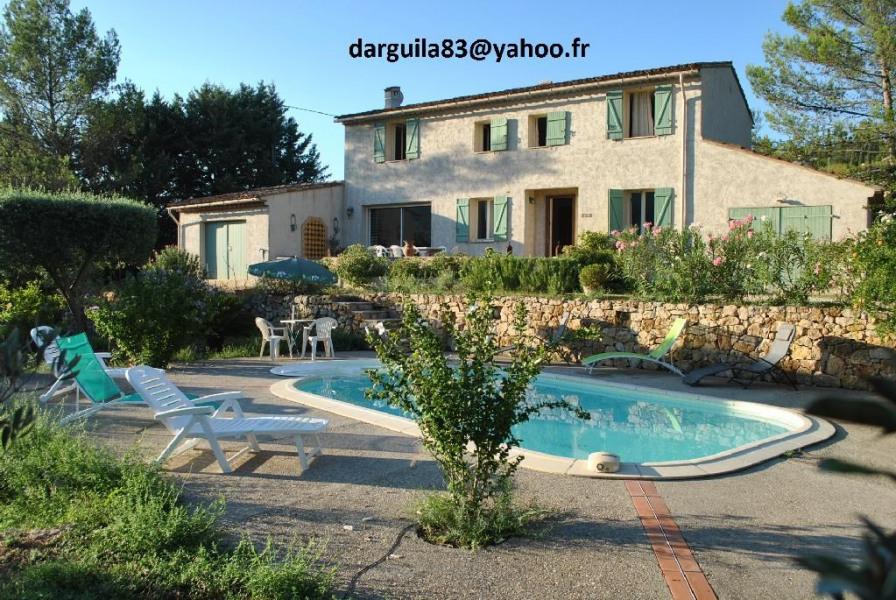 Villa extérieure avec piscine