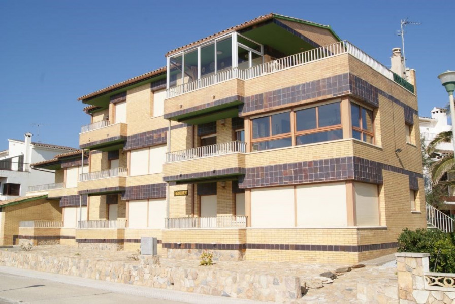 Location vacances Llançà -  Appartement - 5 personnes - Salon de jardin - Photo N° 1