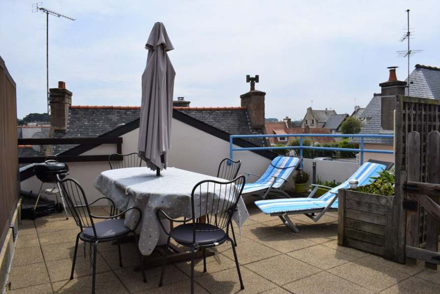 Apartment 4 pers. in Ploumanac'h, large terrace, 180m from the beach in PERROS-GUIREC