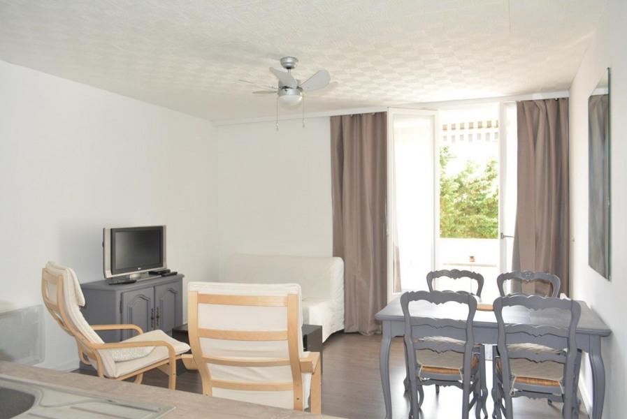 Location vacances Saint-Hilaire-de-Riez -  Appartement - 4 personnes - Fer à repasser - Photo N° 1