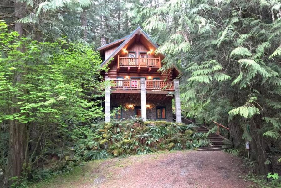 Mt. Baker Lodging - Cabin 47
