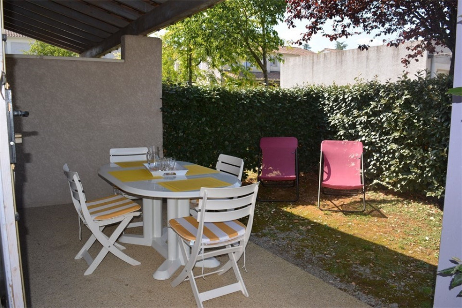 Location vacances Vallon-Pont-d'Arc -  Appartement - 6 personnes - Télévision - Photo N° 1