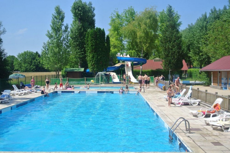 Camping Le Val d'Amour, 65 emplacements, 34 locatifs