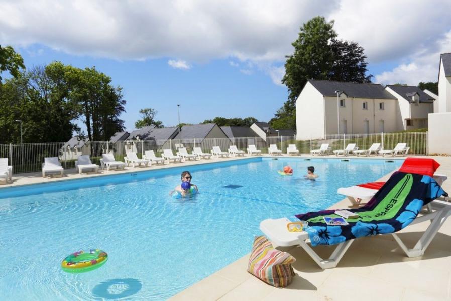 Audierne, ce village en bord de mer est un régal pour les yeux, le cœur et l'esprit. Résidence avec piscine intérieur...