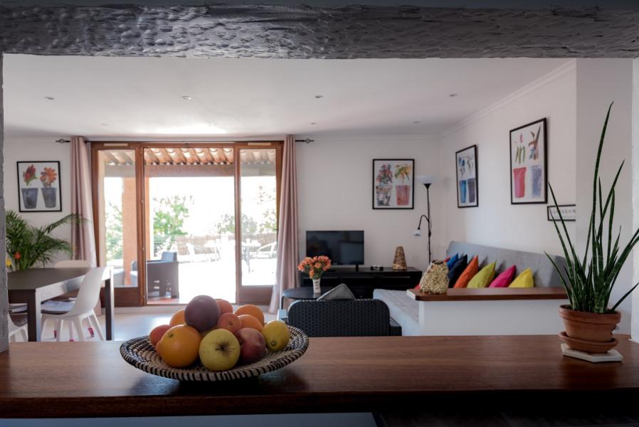 Location vacances Bormes-les-Mimosas -  Appartement - 4 personnes - Chaise longue - Photo N° 1