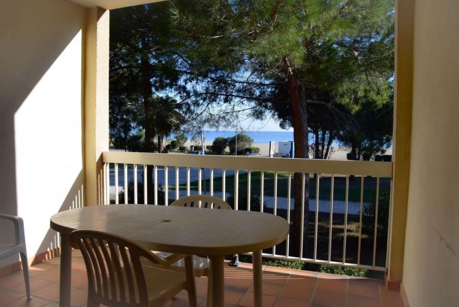 Coquet appartement F2 pour 4 personnes situé au premier étage d'une petite résidence. Avec une grande loggia et salon...