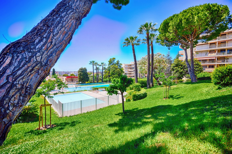 Location vacances Antibes -  Appartement - 8 personnes - Chaise longue - Photo N° 1