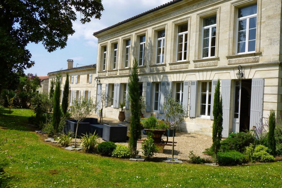 Location vacances Bourg -  Gite - 12 personnes - Barbecue - Photo N° 1