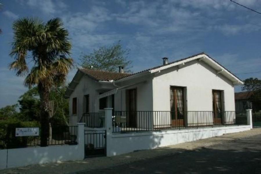 Maison individuelle dans vieux village du Gers à COURRENSAN