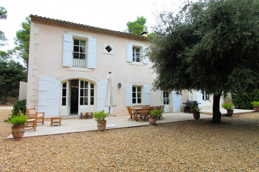 Location vacances Barbentane -  Maison - 8 personnes - Barbecue - Photo N° 1