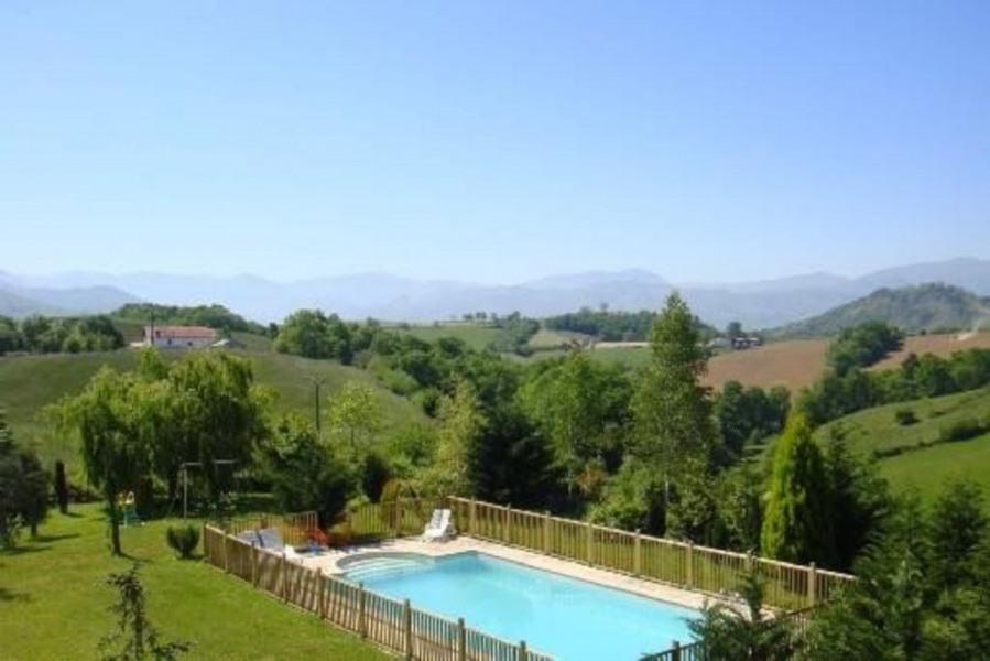 gtes avec piscine chauffe pays basque st jean pied de port