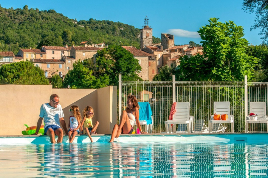 Location vacances Quinson -  Camping - 1 personnes - Court de tennis - Photo N° 1