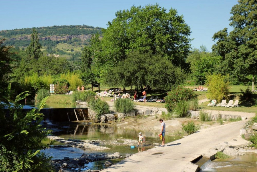 Camping Les Arches****, 148 emplacements, 29 locatifs
