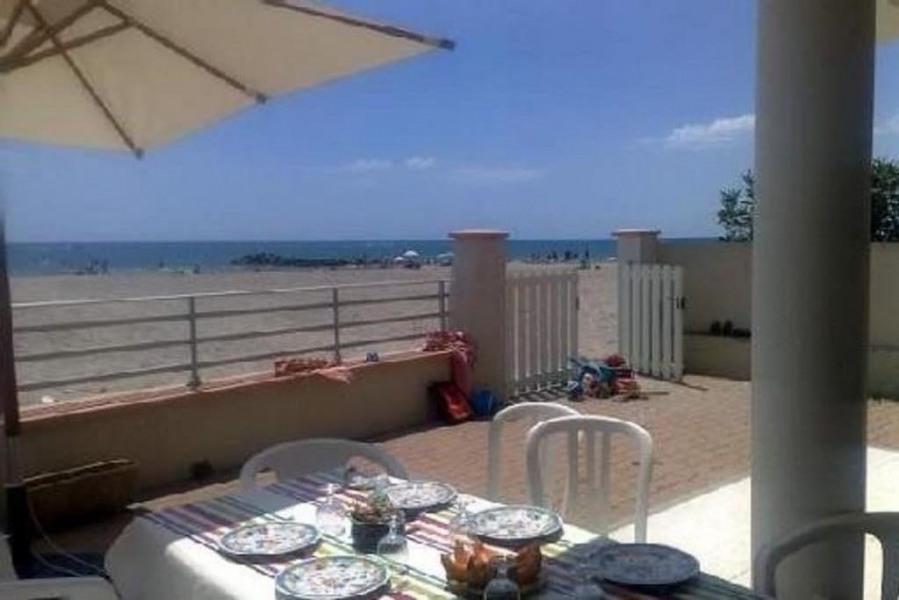 Superbe villa entièrement relookée avec vaste terrasse sur plage