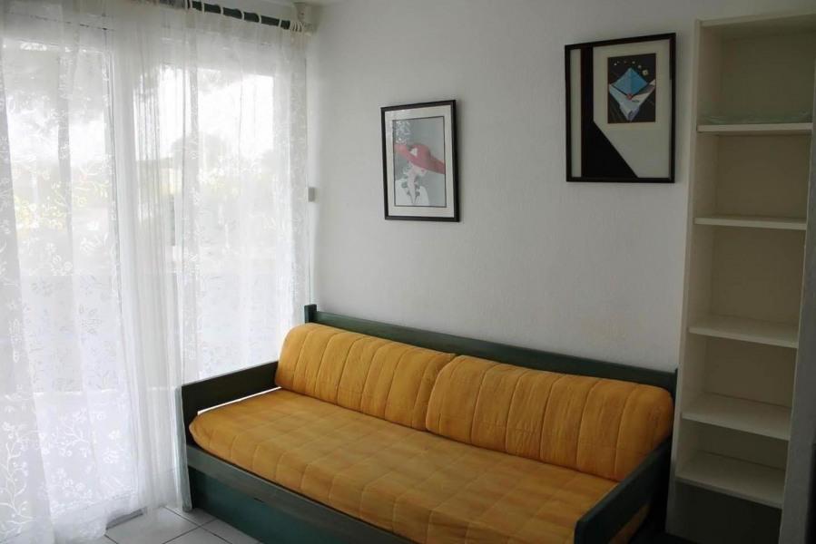 Location vacances Le Grau-du-Roi -  Appartement - 5 personnes - Salon de jardin - Photo N° 1