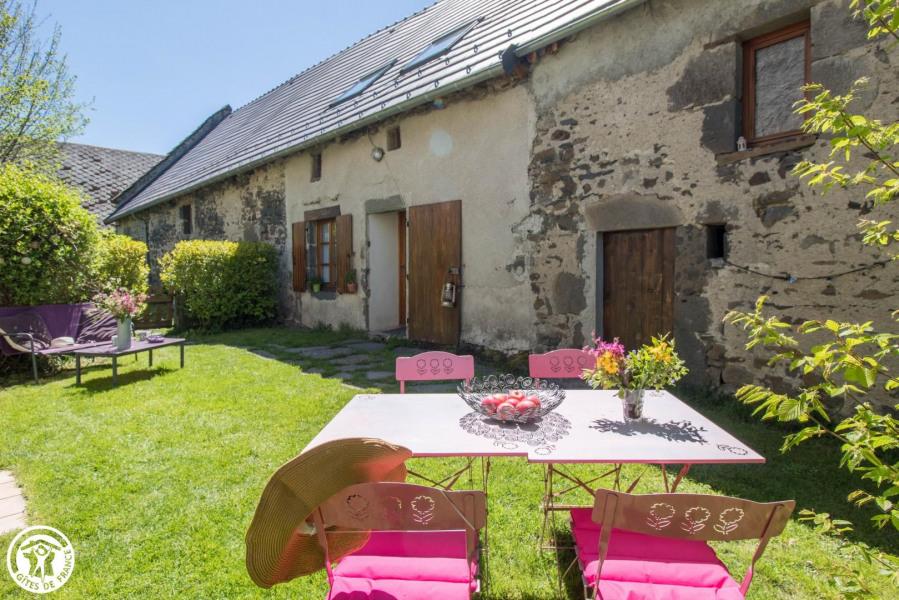 Location vacances Saint-Bonnet-près-Orcival -  Maison - 4 personnes - Barbecue - Photo N° 1