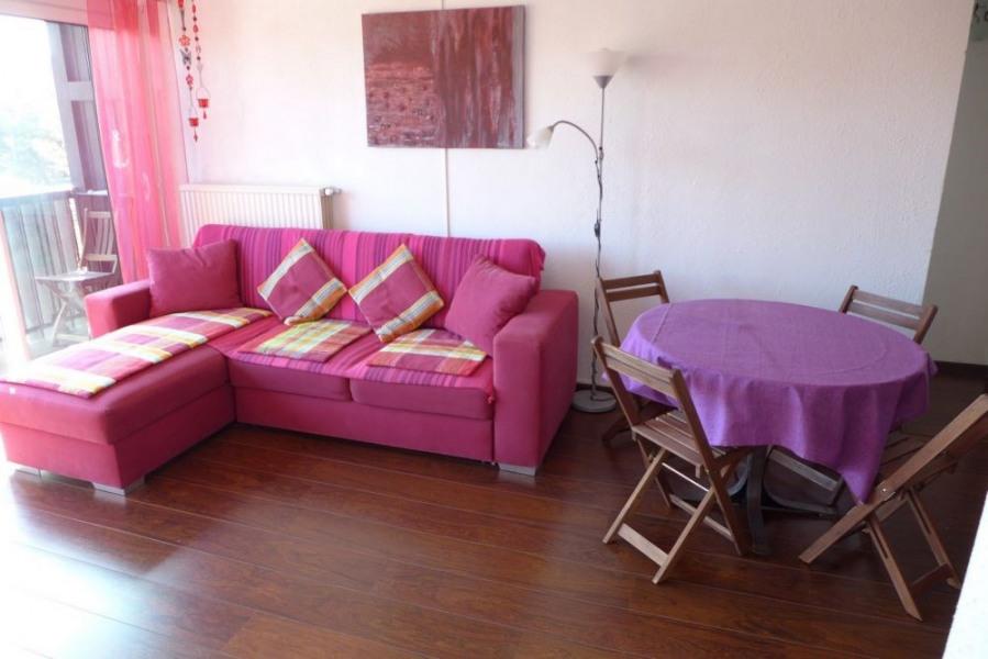 A Seignosse le Penon, dans une résidence calme et bien entretenue de 1971, située à environ 300 m...
