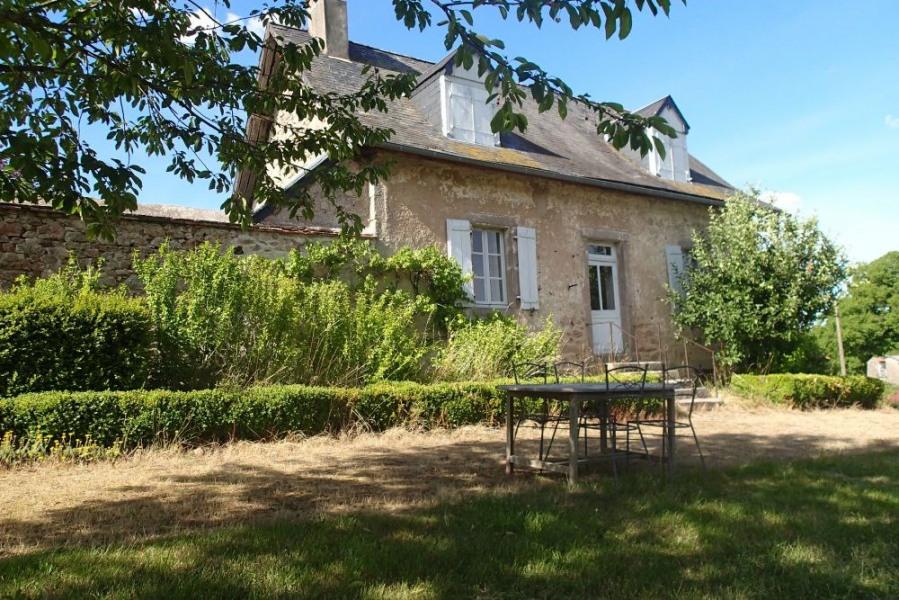 Profitez de cette adorable petite maison bourguignonne de caractère pour passer 1 ou plusieurs semaines de vacances d...