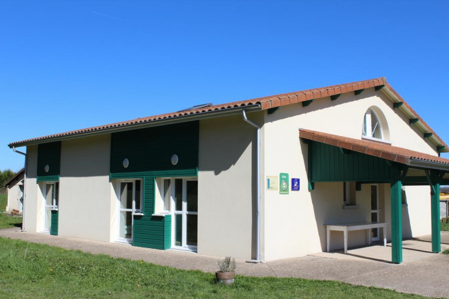 Location vacances Châteauponsac -  Maison - 20 personnes - Barbecue - Photo N° 1