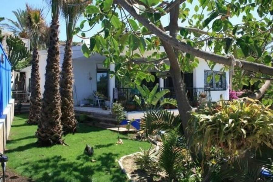 Villa vue mer 230m2, 100m plage, piscine, barbecue + solarium 100m2