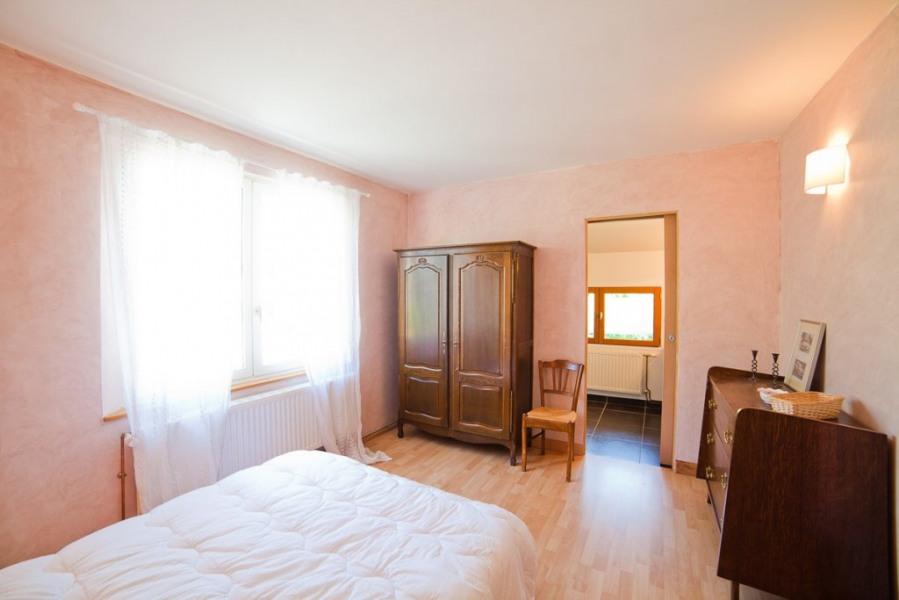 House in chambon sur lac for 9 people 160m2 90580346 for Chambre avec salle d eau