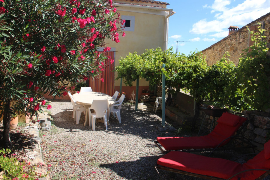 Location vacances Roquessels -  Gite - 7 personnes - Barbecue - Photo N° 1