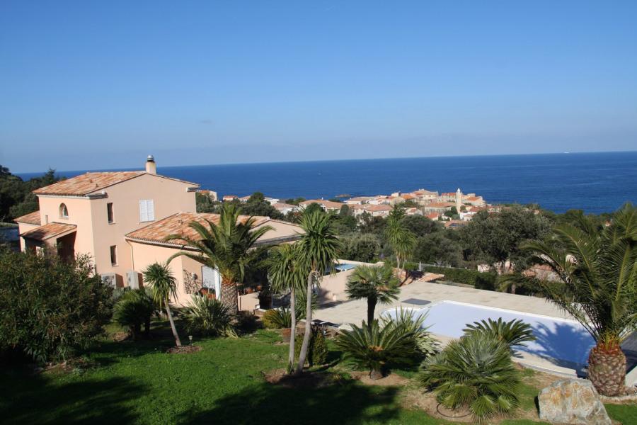 Villa de Luxe avec Vue Panoramique piscine privée chauffée de 4 à 9 personnes.