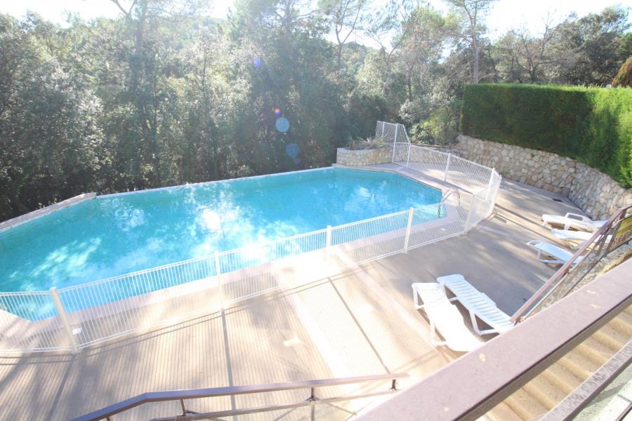 Belle petite maison de 40m² 2 pièces à Valbonne, domaine très calme avec piscine