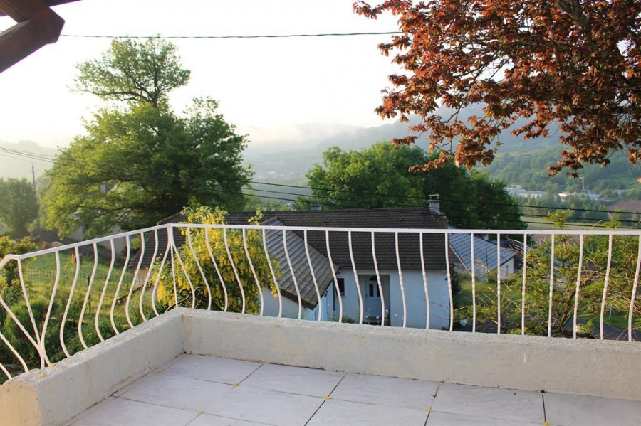 Vue de la terrasse sur la vallée