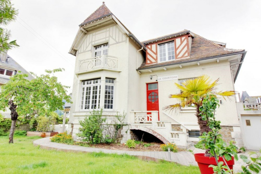 squarebreak, Belle maison rénovée près des Thermes et de la pla