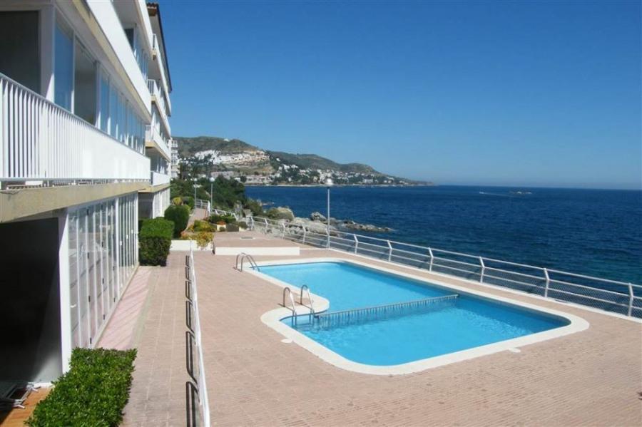 Rocamar B26 - Appartement en première ligne de mer, vue magnifique.