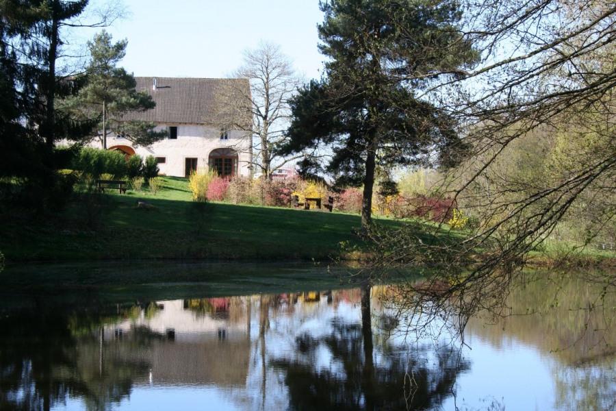 La propriété avec étangs et jardin d'agrément