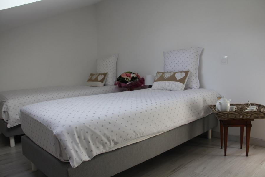 chambre étage deux lit simples