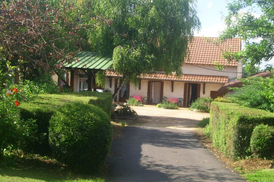 Location vacances Eyliac -  Chambre d'hôtes - 10 personnes - Salon de jardin - Photo N° 1